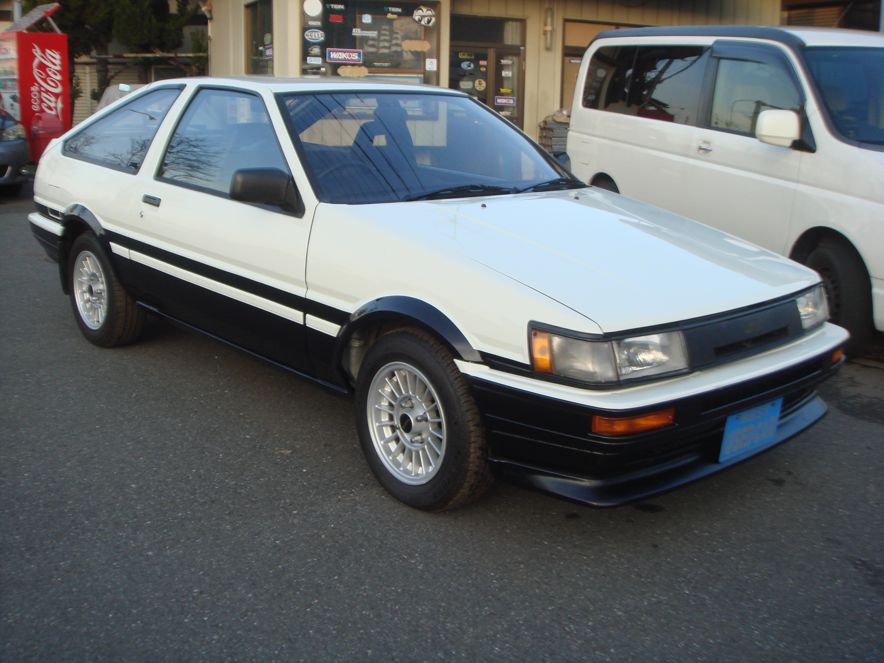 1985 YEAR TOYOTA LEVIN COUPE AE86 GT-APEX TWIN CAM